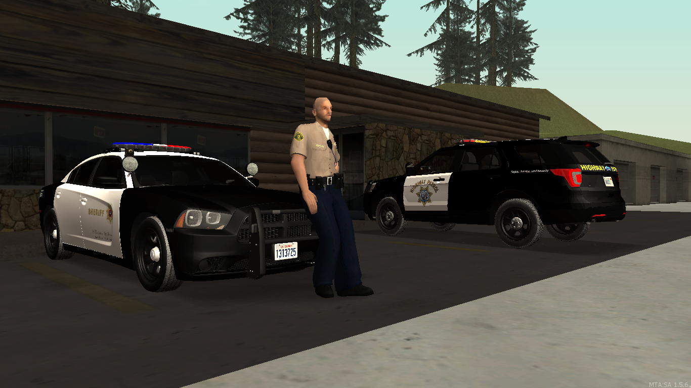 Highway patrol and The Sheriff department working to gather. - posted by WolfSchultz