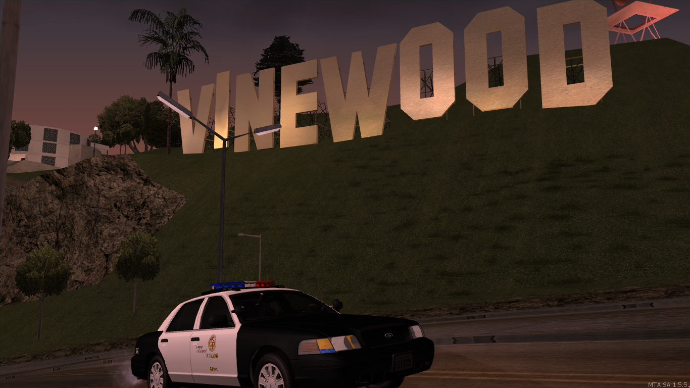 LAPD patroling Star's neighborhood - posted by MaXKillS